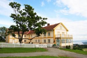 Ousdal gård